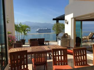 Beautiful Beach Front Penthouse, Puerto Vallarta