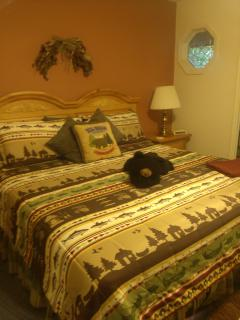 ANOTHER VIEW OF YOUR KING SIZE BED.