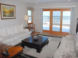 Premier Oceanfront Loveladies Beachfront Home, Long Beach Township