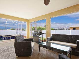 Villa Maravilla~Low Nightly Rates $90~Family Fun-Huge Pool, Cape Coral