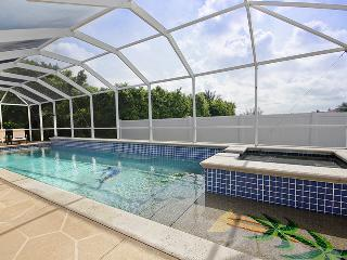 Villa Maravilla~Low Nightly Rates $90~Family Fun-Huge Pool, Cape Coral
