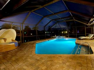 Villa De Nona gulf access  sleeps 8, Cape Coral