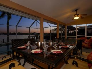 Villa Thunderbird View Lakefront Gulf Access Rates ~ Amazing Sunsets!