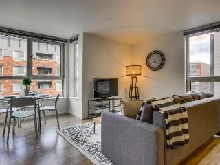 Elegant, dog-friendly condo w/ shared rooftop deck near Lake Union, Seattle