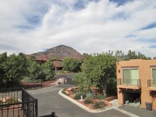 West Sedona Luxury Town Home is a great place to escape to! CALLE - DEL - SOL - S035