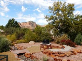 Beautiful Santa Fe Style home with direct views of the Red Rocks!, Village of Oak Creek