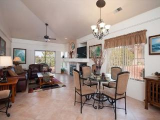 Cute & Comfortable Condo centrally located in West Sedona!