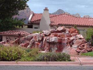 Light, Bright, Stylish little Condo with a great layout!, Sedona