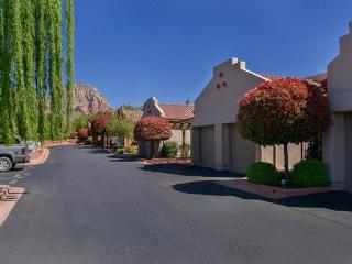 Beautiful Condo located in the center of West Sedona! COLUMBINE - S078