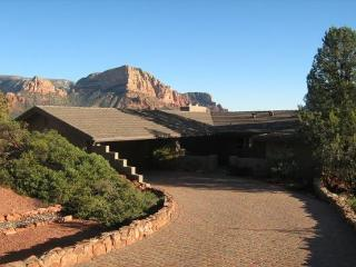 Well cared for comfortable luxury home with spectacular Red Rock Views! WOODLAND - S050, Village of Oak Creek