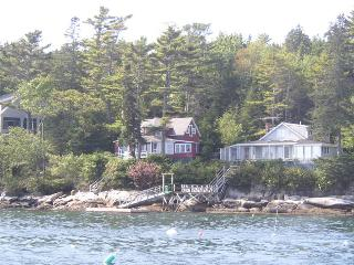 PINE CLIFF DWELLER| SOUTHPORT ISLAND | AMAZING OCEAN VIEWS| PRIVATE DOCK, East Boothbay