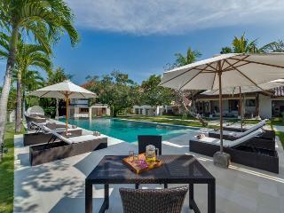 Canggu Villa 3606 - 8 Beds - Bali