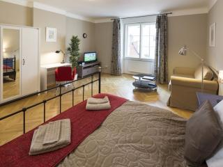 Templova T4A apartment in StaréMesto with WiFi & lift.
