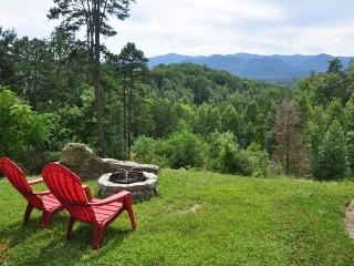 A Wilderness Hideaway - Upscale Rental Just 10 Minutes from Casino with Amazing