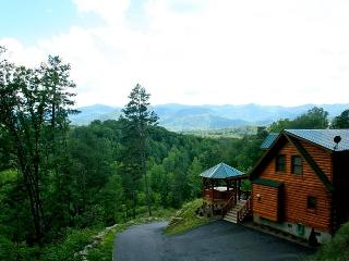 A Wilderness Hideaway - Delightful Rental Just 10 Minutes from Casino with