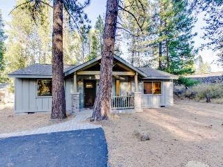 Spacious, dog-friendly home with SHARC access and private hot tub