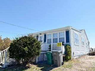 Summer Breeze - Wonderful Oceanfront View, Excellent Location, Affordable, Near