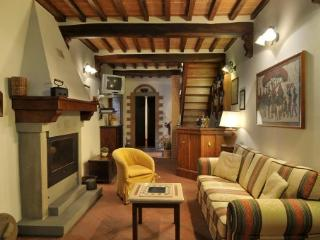Apartment Overlooking the Rooftops of the Ancient Town of Cortona - Casa