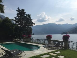 Luxury Lakeshore Villa on Lake Como with Private Dock - Villa Cernobbio