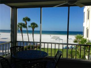 Wonderful condo, slps 6 w/ direct gulf view - 4 North, Siesta Key
