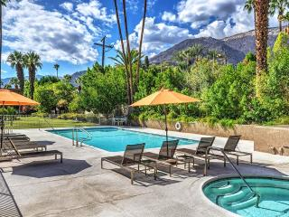 Villas De Las Palmas with a View, Palm Springs