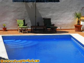 Casa Celia * Private Pool * BBQ * Beach nearby, Almunecar