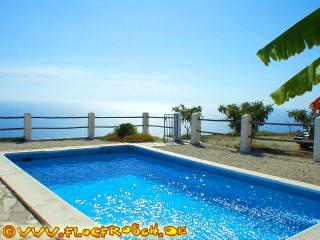 VILLA BEL PANORAMA *** SPECTACULAR 180° VIEWS ***, Salobrena