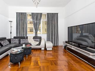 SPECIAL OFFER!!! Stunning 3 bedrm Apt Causeway Bay