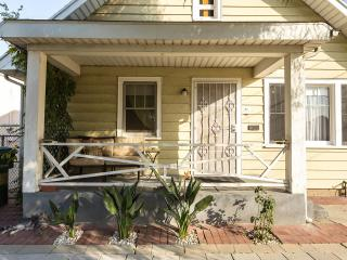 Silverlake Bungalow. Private LA home and Garden