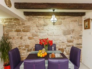 Luxury Kastela Stone Maisonette near Split
