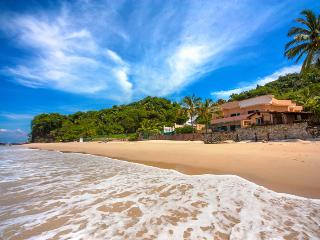 7 BDR LUXURY BEACHFRONT VILLA, Puerto Vallarta