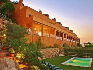 CB450 - Corner villa with amazing sea views!, Begur
