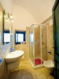 Bathroom on the upper floor of Dimora Christian