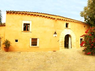 Exclusive historical finca, completely renovated