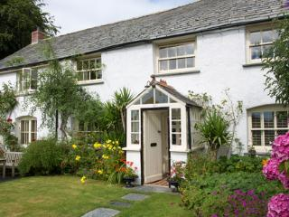 Quies Cottage-Bed & Breakfast in St Tudy, Cornwall, Bodmin