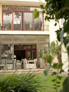 Riversong Guest House - Luxury 4star boutique guest house in Newlands Cape Town.