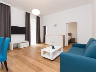 Apartment with Balcony, Viena