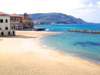 Baia comfortable country house apartments near the sea