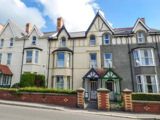 TRYFAN, period townhouse, central base in Llanwrst, Ref. 926504, Llanrwst