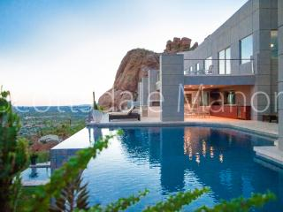 10 Million Dollar Mansion on Camelback-  Private Resort, 8 bedrooms with theater, Scottsdale