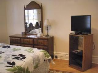 Large Guest Room For Long Stay in Harrisburg