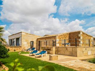 Sa Porxada ☼ Rustic Villa & Pool, Campos