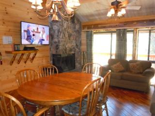 #53 Specialty 3BR Townhouse.  Next to Snow Summit!, Big Bear Lake
