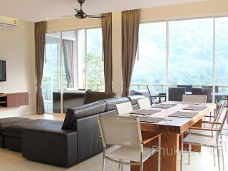 Superb 2-Bed Apartment in Kamala