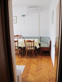 A1(6): dining room