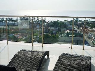 Sea View 3-Bed Apartment w/ Roof Terrace in Karon