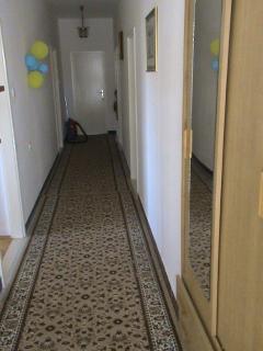 A1(4+1): hallway