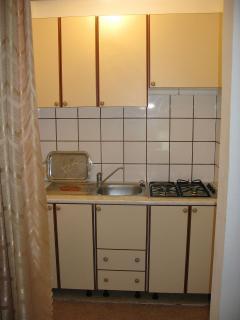 A5(2+2): kitchen