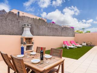 2 Bedroom Holiday Villa with wifi in La Capellania, Corralejo