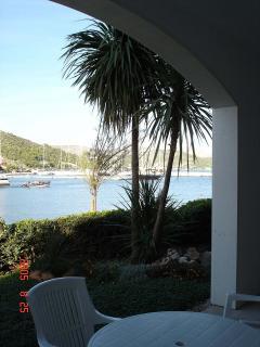 A3 (4+2): terrace view